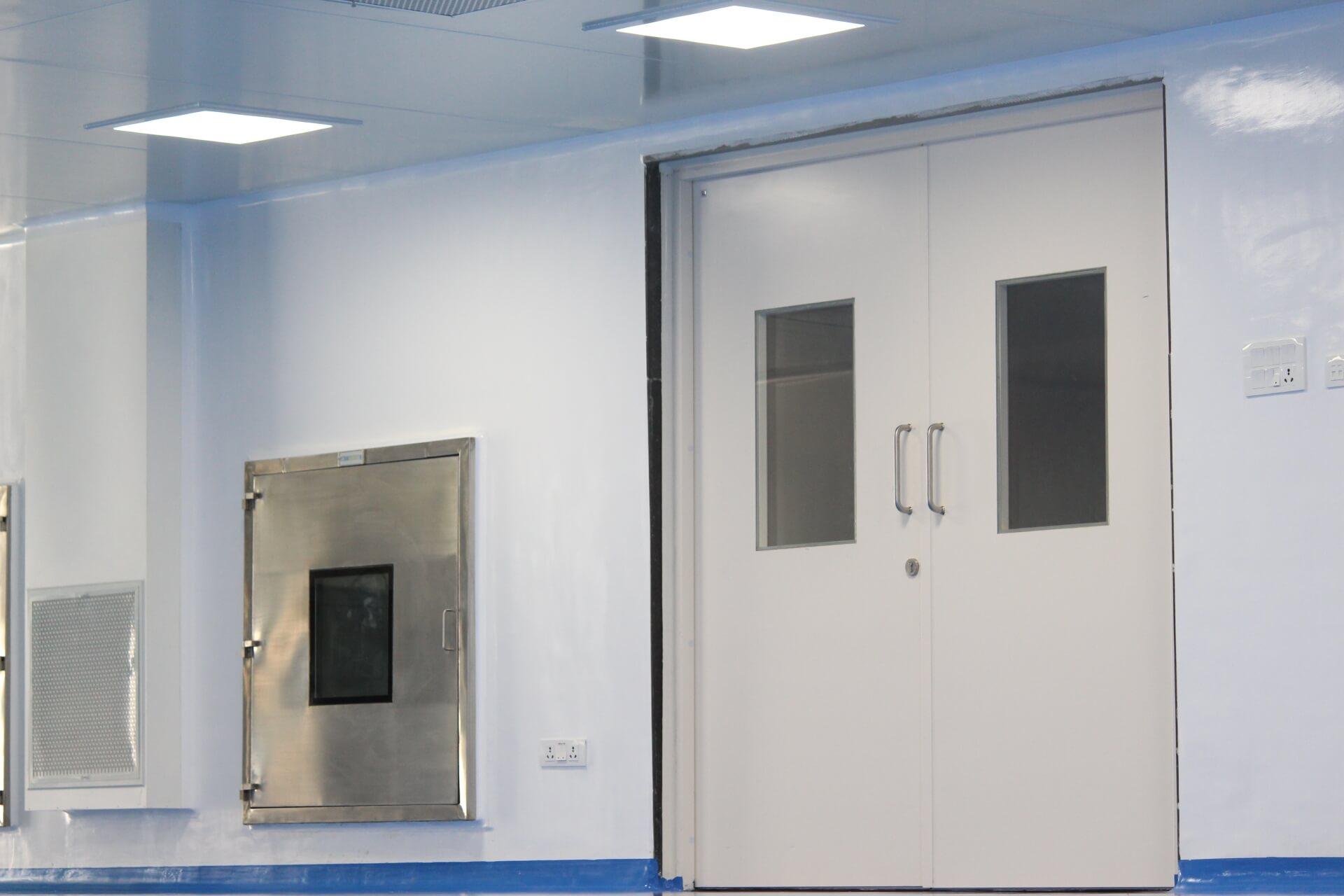 modular+cleanroom+door